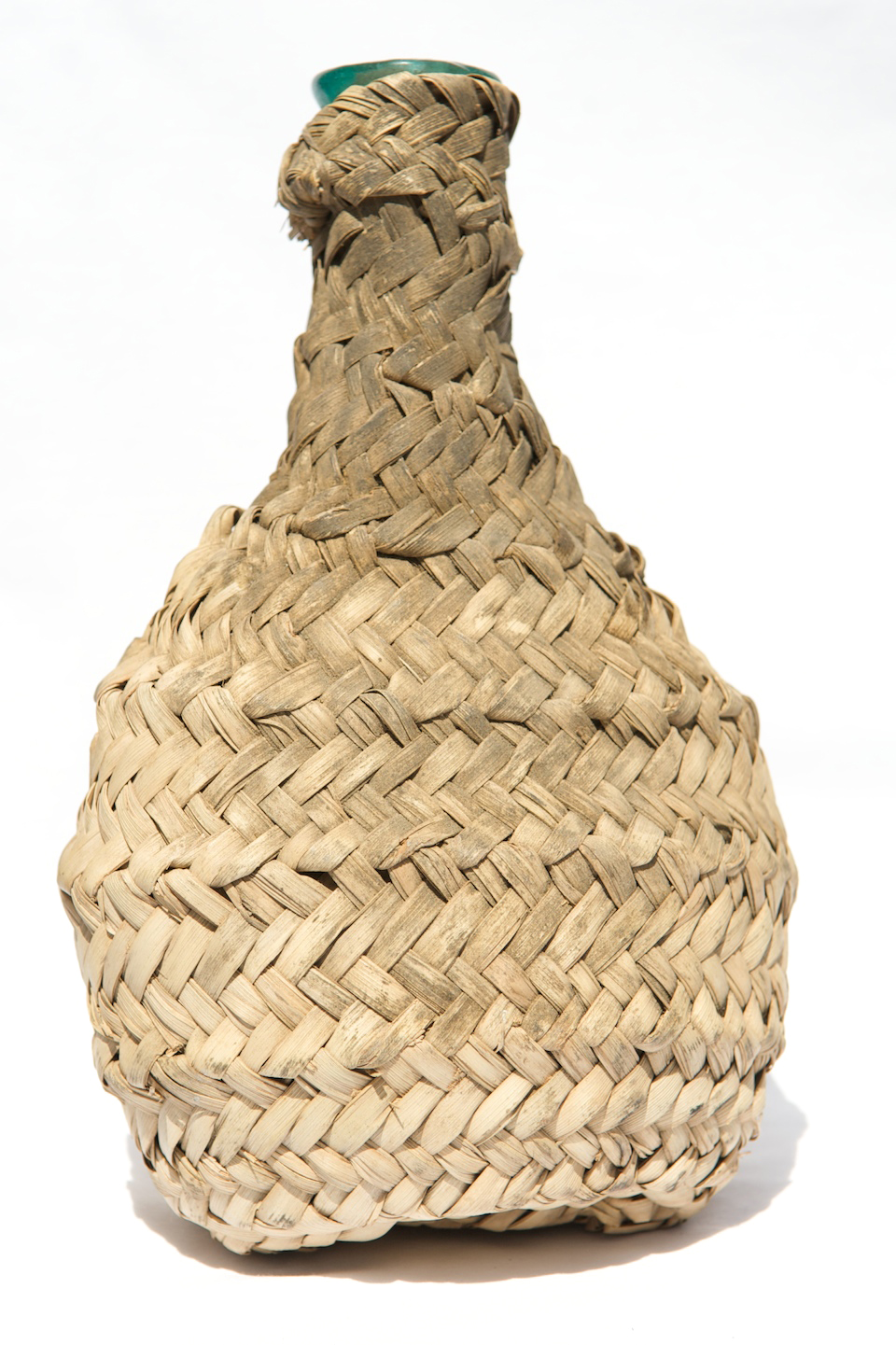 PC-018 (Wicker Covered)